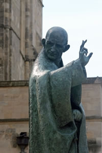 St Richard Statue
